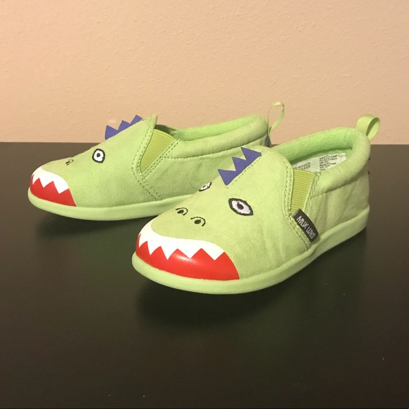 3678ba57986 Muk Luks Dinosaur Slip-On- Toddler Size 8